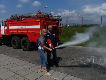 Школьники узнали, как работает пожарная дружина